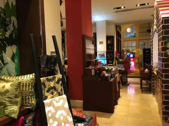 singapore raffles hotel gift shop